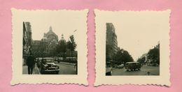 PHOTOGRAPHIE - PHOTO -  LOT DE 2 PHOTOS - ANVERS / ANTWERPEN En 1956 . SIMCA ARONDE / VOLKSWAGEN COMBI - Lieux