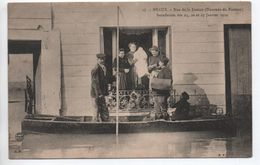 MEAUX (77) - INONDATION DES 25,26, ET 27 JANVIER 1910 - RUE DE LA JUSTICE - TOURNEE DU FACTEUR - Meaux