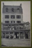 """Roscoff - L'Hôtel De La Marine (carte """"publicitaire"""" Avec Les Employés) - Roscoff"""