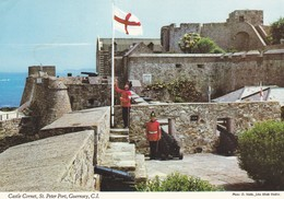 Postcard Castle Cornet St Peter Port Guernsey [ John Hinde ] My Ref B22235 - Guernsey