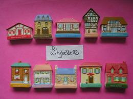 Série Complète De 10 Fèves En Porcelaine - FACADES REGIONALES 2008 ( Feve) - Regions