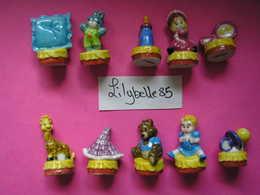 Série Complète De 10 Fèves En Porcelaine - JEUX D' ENFANTS ( Feve) - Charms