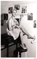 Sexy FRANCESCA ANNIS Actress PIN UP PHOTO Postcard - Publisher RWP 2003 (03) - Artiesten