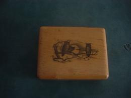 BOITE A TIMBRES  EN BOIS  - DECOR AVEC DES HIBOUX - Stamp Boxes