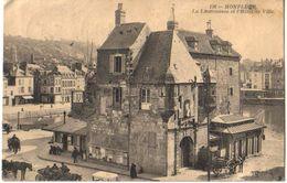 Honfleur-la Lieutenance Et Hotel De Ville, Animée, De 1912 - Honfleur