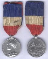 Médaille D'Honneur Du Commerce Et De L'Industrie  1897 ( 20 Ans ) ( En Argent Poinçon Sur La Tranche) - France