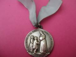 Médaille Religieuse Ancienne + Ruban/Sainte Philoméne/Apparition De La Ste Vierge à La Salette/Fin XIXéme Siécle CAN480 - Religión & Esoterismo