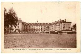 CPA 49 Maine Et Loire Saumur L'Ecole De Cavalerie Et D'Application La Cour D'Honneur - Saumur