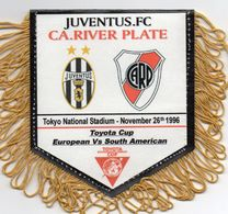 JUVENTUS TURIN / CA RIVER PLATE  Finale Championnat Du Monde Des Clubs 1996 - Habillement, Souvenirs & Autres