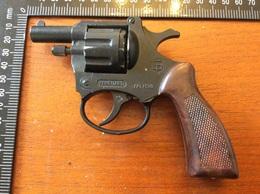 # Pistolet  A Amorcé Ou Alarme - Armes Neutralisées