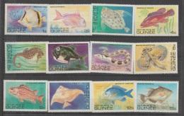 RE   GUINEA   1980   **   MNH    FISH - Poissons