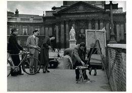Paris : Un Peintre Sur Le Pont Des Arts Par Doisneau (1950) - Doisneau