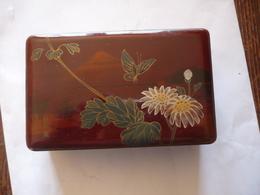 1930 Environs -- PETITE BOITE  Ou  COFFRET EN LAQUE  De  CHINE - JAPON  Avec Sa Clé  - Papillon - Fleurs - Mont Fuji - Asian Art