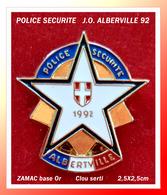 SUPER PIN'S POLICE-ALBERVILLE92 : POLICE SECURITE Aux J.O. D'ALBERVILLE 92 En ZAMAC Base Or, Clou Serti, 2,5X2,5cm - Police