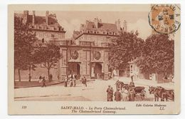 (RECTO / VERSO) ST MALO EN 1929 - N° 119 - LA PORTE CHATEAUBRIAND ANIMEE - CACHET AMBULANT TRI FERROVIAIRE - CPA - Saint Malo
