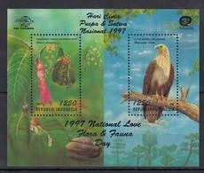 F042 1997 INDONESIA FAUNA BIRDS FLOWERS 2BL MNH - Eagles & Birds Of Prey