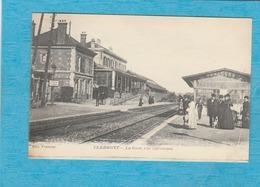 Clermont, 1916. - La Gare, Vue Intérieure. - Les Quais. - Clermont