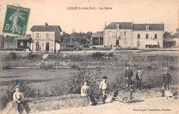 """LEGE -  La Gare - Chemin De Fer - Hôtel Des Voyageurs """" A. Lucas """" - Hôtel De La Gare """" C. Guibert """" - Legé"""