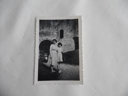 Photo Originale De La Tour Du Prisonnier Château De Gisors Porte Vers Le Passage Du Monarque Années 50/60 Format 6 X 8,5 - Places