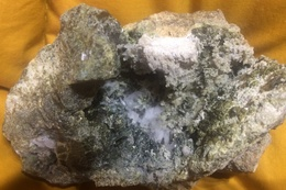 C3 - 6 Quartz Dans Cavité + ? Sardaigne - Minéraux