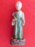 CHINE CHINA CHINESE STATUETTE HOMME PORCELAINE ?  DYNASTIE ? - Asian Art