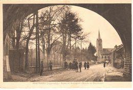 Beauraing - CPA - Route De Rochefort - Entrée Du Pensionnat - Beauraing
