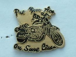 Pin'S MOTO - PUT YOUR ASS - Motorbikes
