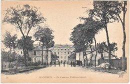 36. ISSOUDUN. La Caserne Châteaurenault. 31 - Issoudun