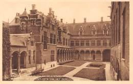 MECHELEN - De Binnenplaats Van Het Gerechtshof - Mechelen