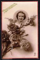 Jeune Femme Avec Fleurs - Circulé - Circulated - Gelaufen - 1943. - Femmes