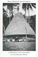 Missions Maristes De Nouvelle Calédonie - Le Missionnaire Trouve Une Case Pittoresque (Weiem) - Nouvelle-Calédonie