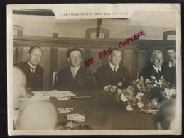 ITALIE - POLITIQUE - SIGNATURE DES ACCORDS DE LOCARNO LE 16 OCTOBRE 1925 - MUSSOLINI, CHAMBERLAIN, HURST - Orte