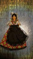 Poupée De Collection Authentique Année 30 40 50 - Vêtement / Costume Traditionnel - Femme Religieuse - Dolls