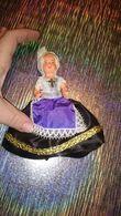 Poupée De Collection Authentique Année 30 40 50 - Vêtement / Costume Traditionnel Avec Coiffe Dentelle Femme Religieuse - Dolls