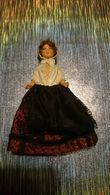 Poupée De Collection Authentique Année 30 40 50 - Vêtement / Costume Traditionnel - Femme En Robe Avec Coiffe - Dolls