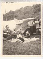 VW Coccinelle Sur Un Camping - VW Kever - Photo Originale Format 9 X 12 Cm - Automobiles