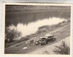 VW Coccinelle Au Bord De L' Eau - VW Kever - Photo Originale Format 9 X 12 Cm - Automobiles