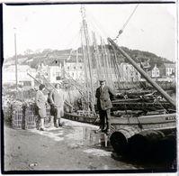 PHOTO ORIGINALE STEREOSCOPIQUE SUR PLAQUE DE VERRE 1930 FINISTERE AUDIERNE LE PORT DE PECHE ( 7 ) - Photos Stéréoscopiques