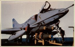 GUERRE DES MALOUINES - Angleterre - Argentine - Série War In The South Atlantic - Aviation Miltaire - Avions De Guerre - Militaria