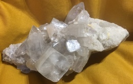 C4 - 18 Apophylitte Stilbite Inde - Minerals