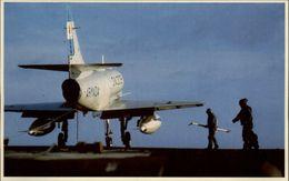 GUERRE DES MALOUINES - Angleterre - Argentine - Série War In The South Atlantic - Aviation Miltaire - Porte Avions - Militaria
