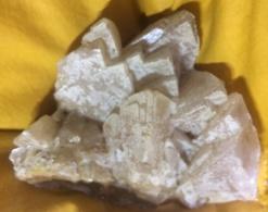 C4 - 25 Calcite Engis Belgique - Minerals