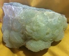 C4 - 28 Prenhite  Jaen Espagne - Minerals