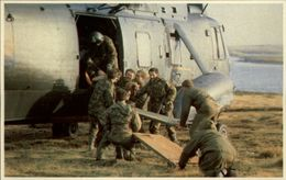 GUERRE DES MALOUINES - Angleterre - Argentine - Série War In The South Atlantic - Militaires - Soldats - Hélicoptère - Militaria