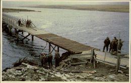GUERRE DES MALOUINES - Angleterre - Argentine - Série War In The South Atlantic - Soldats - Pont - Militaria