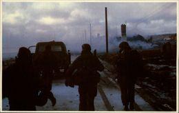 GUERRE DES MALOUINES - Angleterre - Argentine - Série War In The South Atlantic - Militaires - Soldats - Militaria