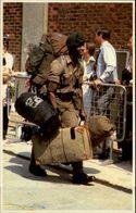 GUERRE DES MALOUINES - Angleterre - Argentine - Série War In The South Atlantic - Militaires - Retour Soldats - Militaria