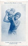 Fidji. Cueillette Du Fruit De L'arbre à Pain - Fidji