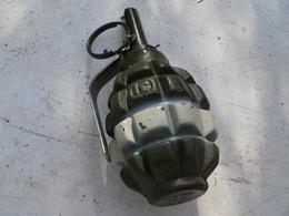 Grenade Russe Défensive D'exercice Neutralisée - Decorative Weapons