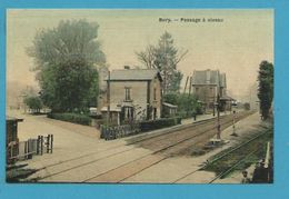 CPA - Chemin De Fer Passage à Niveau Gare De BURY 60 - Francia